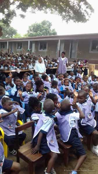 Suore-Buono-Perpetuo-Soccorso-Scuola-Congo-17