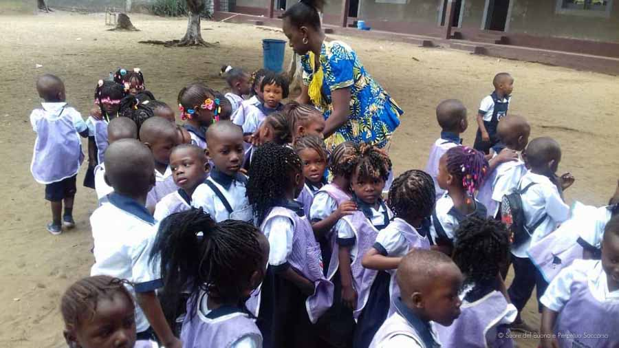 Suore-Buono-Perpetuo-Soccorso-Scuola-Congo-7