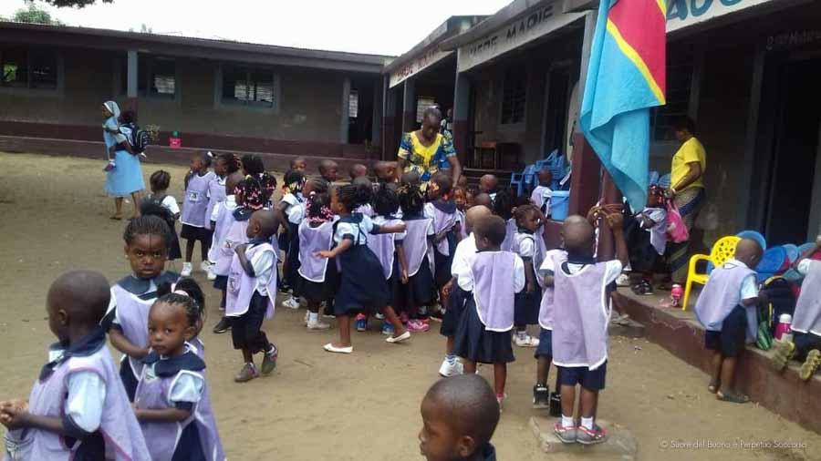 Suore-Buono-Perpetuo-Soccorso-Scuola-Congo-9